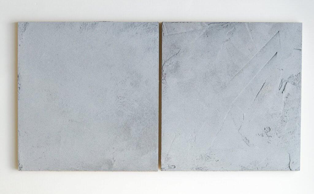 betonlook twee staaltjes grove en subtiele structuur