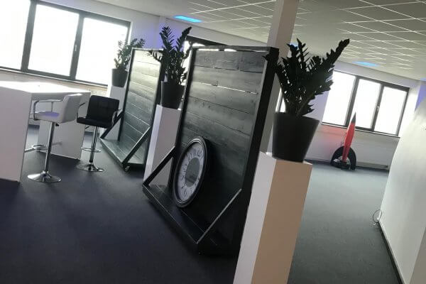 Witte_zuilen_kantoorruimte