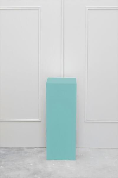 sokkel kleur muur